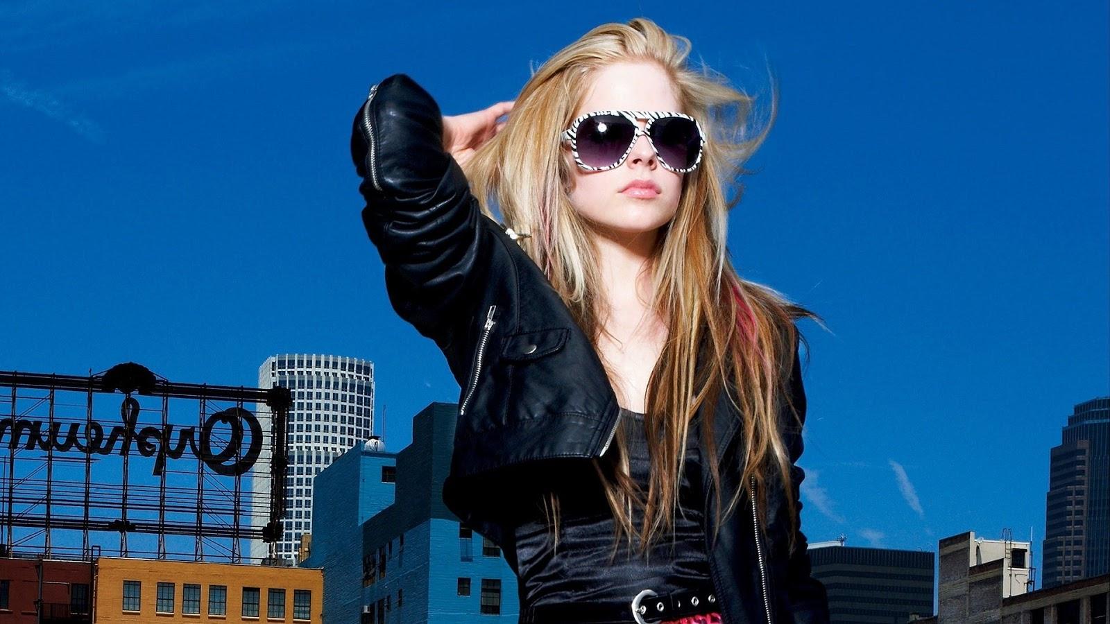 Avril Lavigne Fancy Sun Glasses