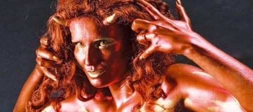 disfraz de monstruo brillante body paint