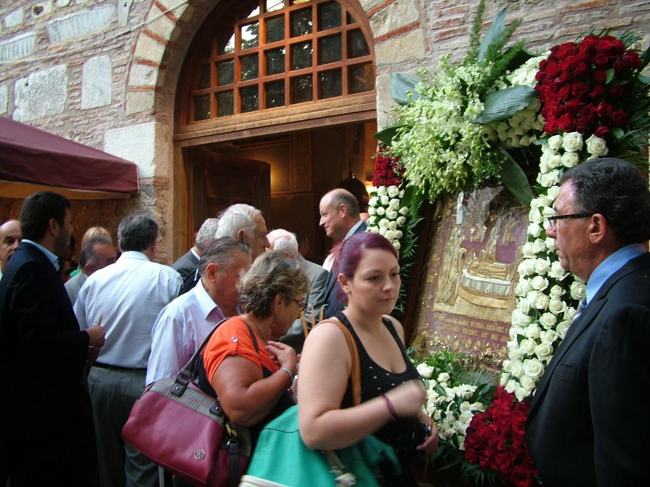 Περιφορά εικόνας της Παναγίας στην Τεγέα! Γεμάτη κόσμο η εκκλησία