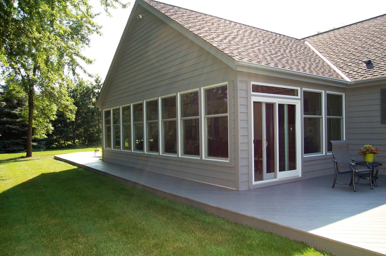 Siding choices help homes operate properly callen for Siding choices