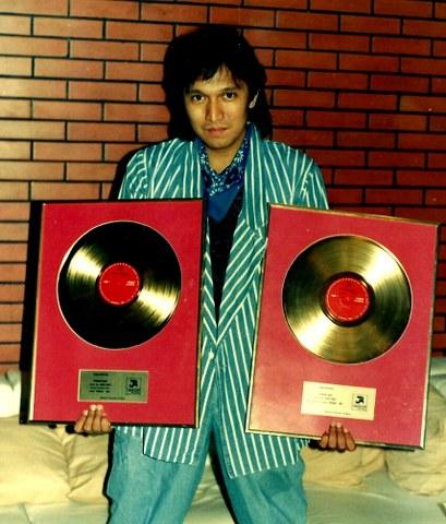 Ikang Fawzi dan 2 Awards Musiknya yang Fenomenal, 1988