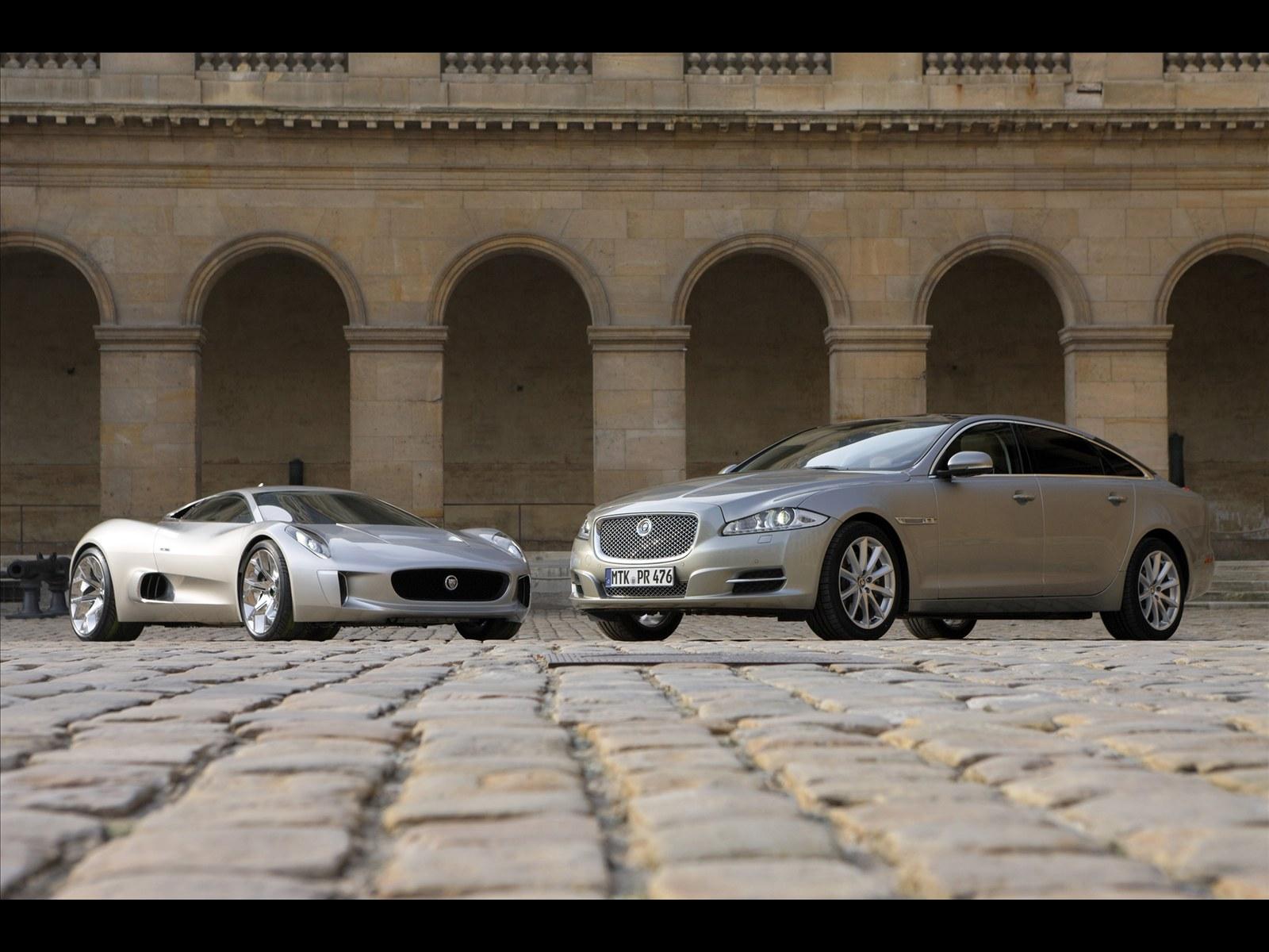http://2.bp.blogspot.com/-xEmkTSFzSkM/TZorYWPn7HI/AAAAAAAABng/m-ZYEctKsX8/s1600/Jaguar+C-X75+2011+photo.jpg