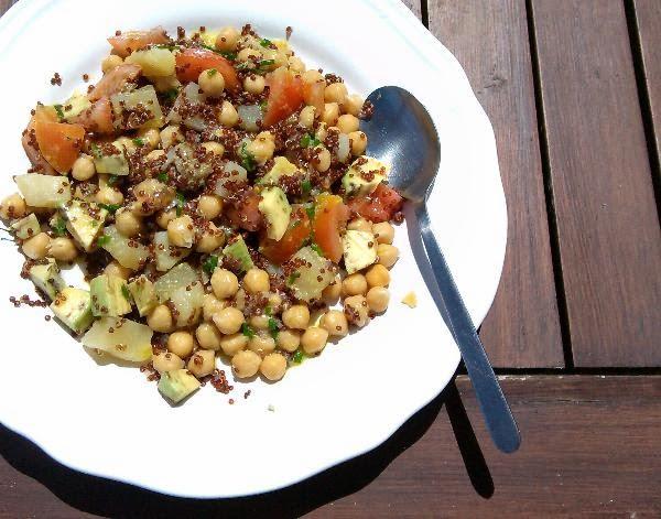 Refeição_vegetariana_com_quinoa_vermelha