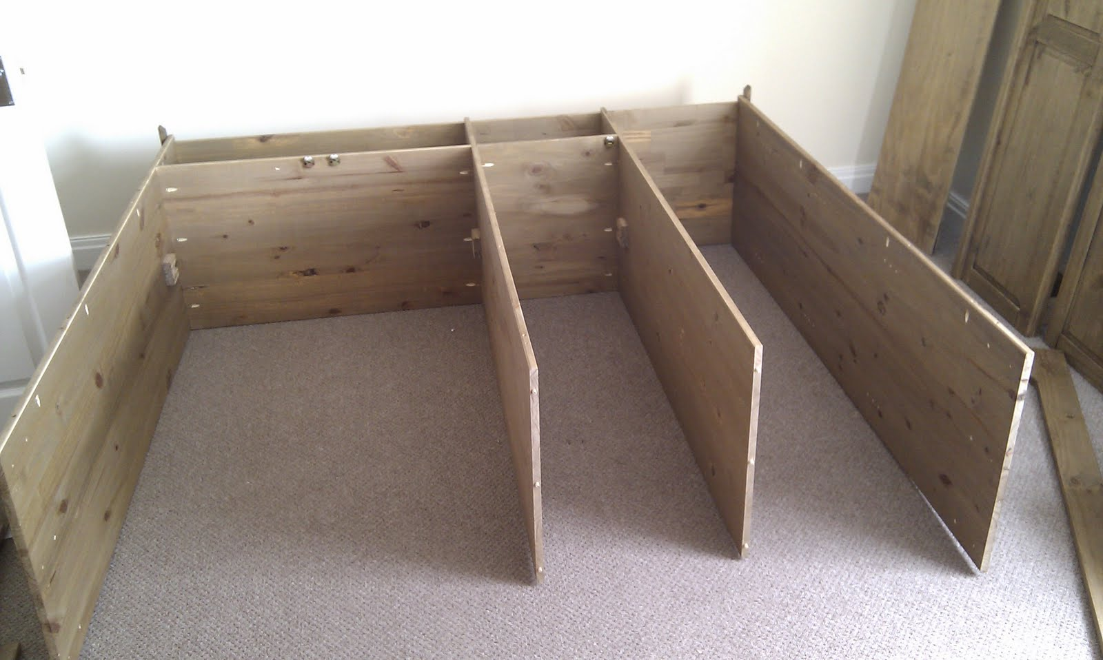 Attrayant First You Need Plenty Of Floor Space As It Needs To Be Built On Its Back.  2.5 Metre Square At The Very Least. You Start With The 2 Sides And The 2 ...