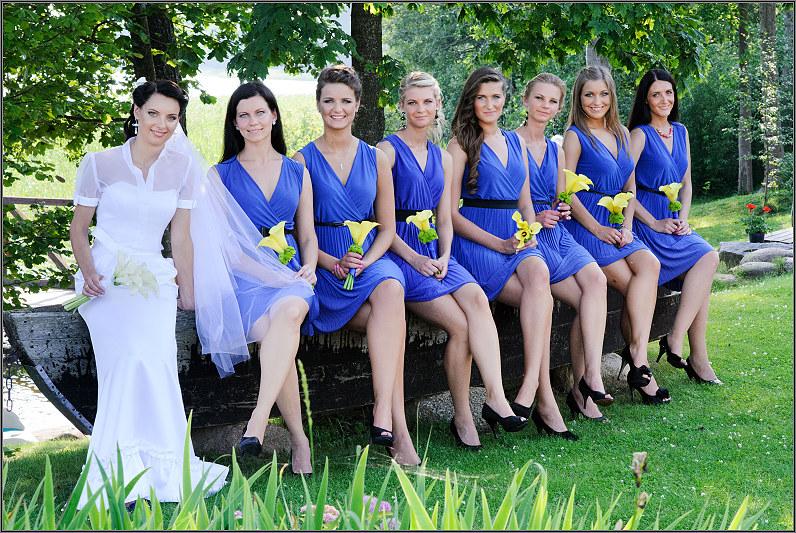 Mėlynos pamergių suknelės