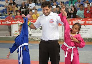 Lutadores de 19 academias competiram no 1º Serra Combat de Jiu-Jitsu