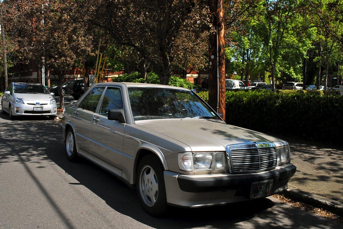 Old parked cars 1987 mercedes benz 190e 16v for 1987 mercedes benz 190e