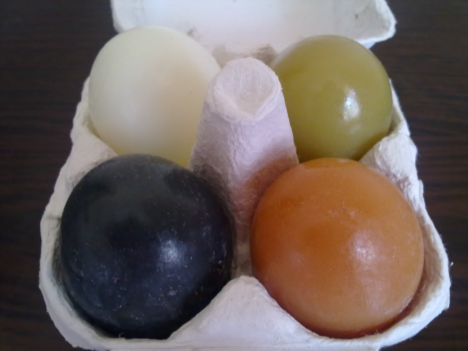 bought the special set contain 4 different egg soaps white original ...