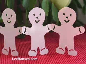 Die cut gingerbread man garland paper craft, LeeHansen.com
