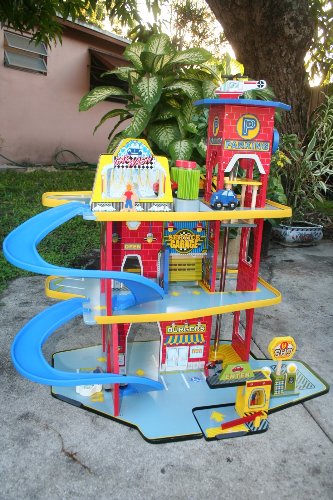 Toy Garages For Boys : Kidkraft deluxe garage toy car review frugality