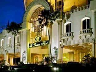 Harga kamar de Rivier Hotel - Kamar Deluxe domestik