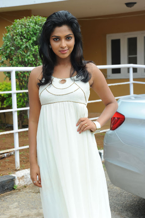 amala paul spicy galley in white dress at event hot photoshoot