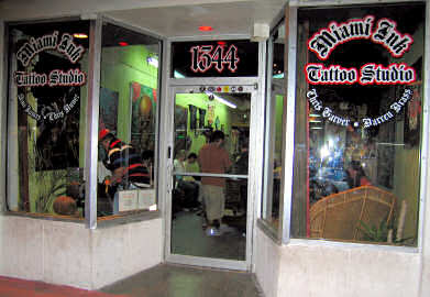 Miami ink tattoo studio o est dio de tatuagens mais for Tattoo shops in miami beach