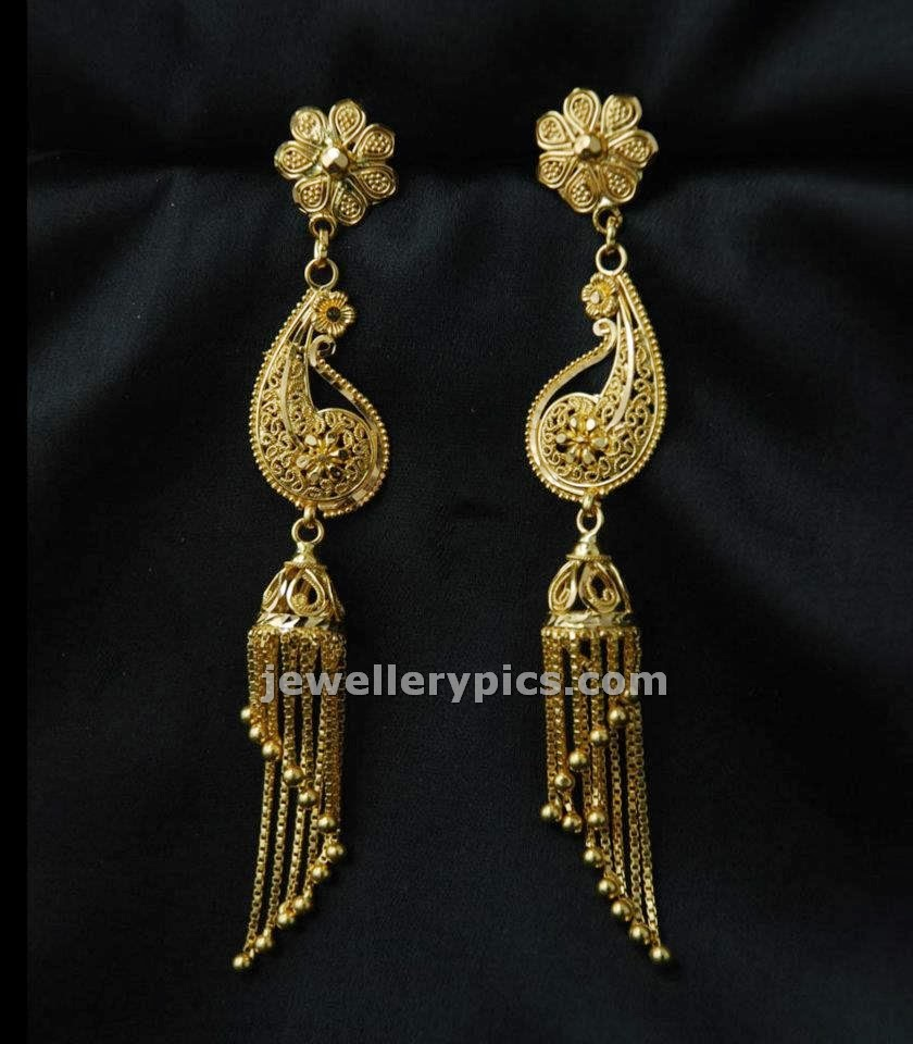 Long earrings design in gold ~ beautify themselves with earrings