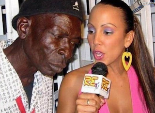 funny picture: black man has been interviewed by female