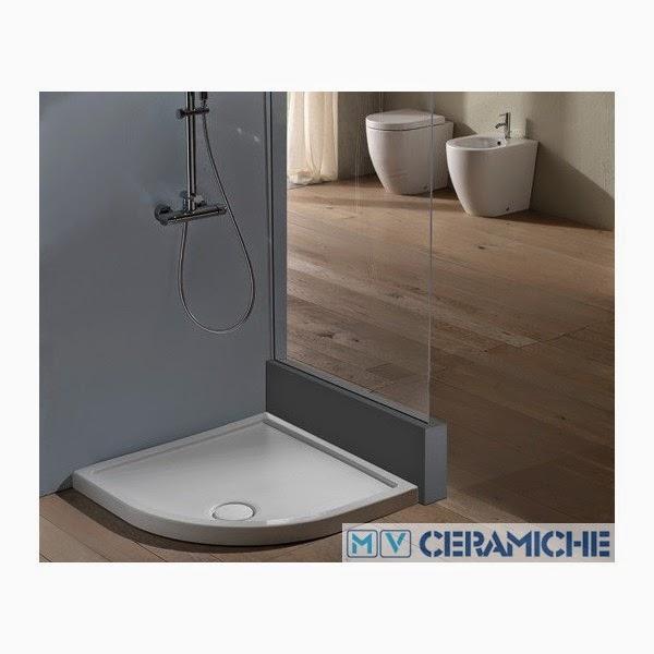 piatto doccia parete in plexiglass