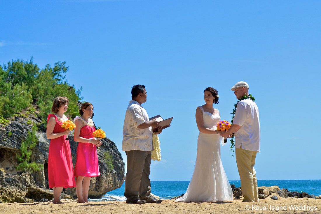 Destination Weddings On Kauai Hawaii Shipwrecks Beach