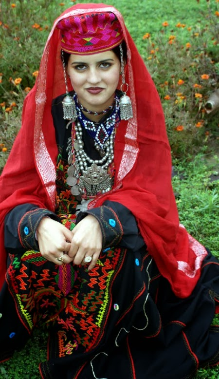 beautiful girl kashmir