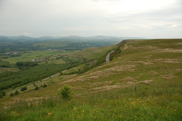 The first section of descent of The Rhigos, with the rest in the distance