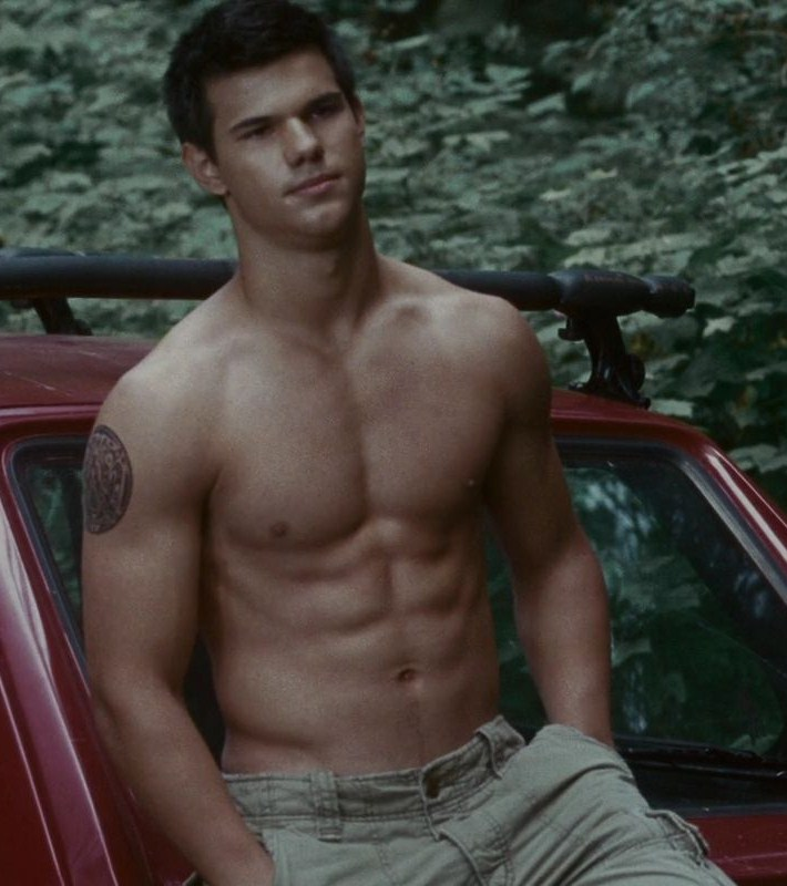 Falsa Assim O As Fotos Fake Do Taylor Lautner Pelado Que