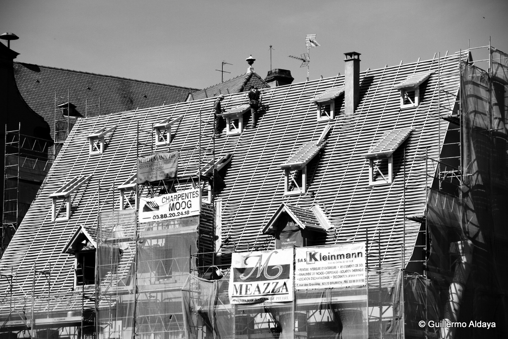 Under construction (Strasbourg, France), by Guillermo Aldaya / PhotoConversa