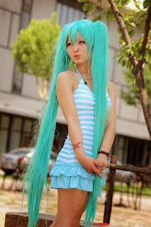 Vocaloid Hatsune Miku cosplay by Yinqing