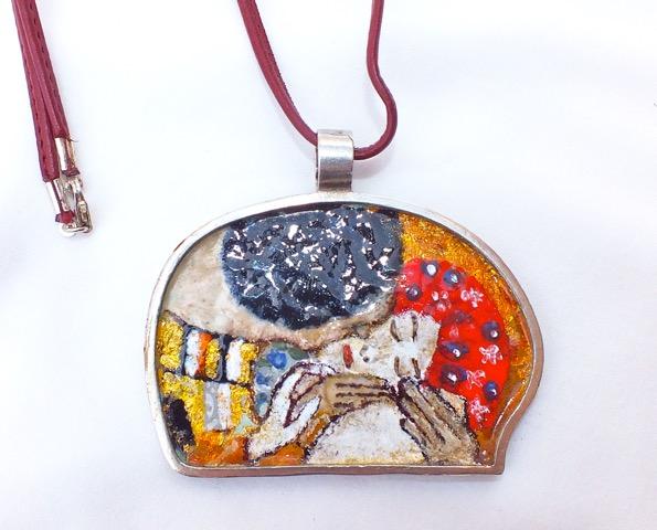 Pieza en plata y esmalte de Ana Andras