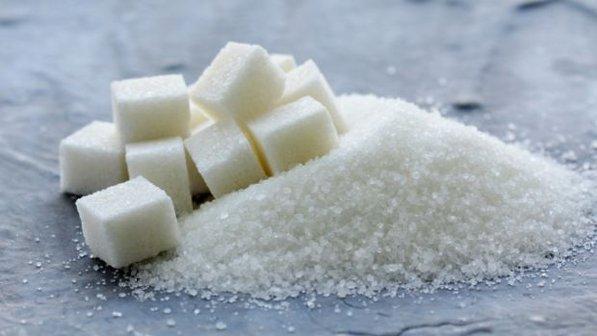 Açúcar pode ser prejudicial à saúde, mesmo em doses consideradas normais, diz estudo.