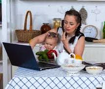 7 Tantangan Bekerja Di Rumah Melalui Internet untuk Ibu Rumah Tangga
