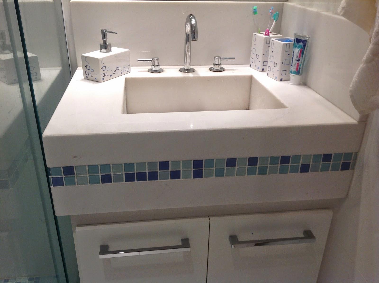 No nosso banheiro a idéia era para ser Nanoglass Simplesmente  #795F52 1600x1195