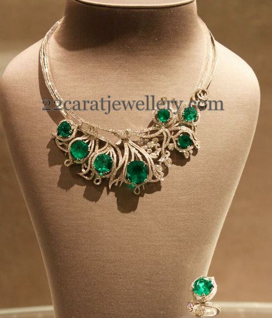 Opulent Emeralds and Diamonds Choker