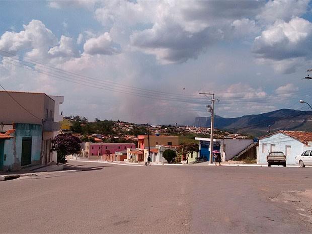 Focos de incêndio voltam a atingir região de Ibicoara, na Chapada (Foto: Site Vinny Publicidade)