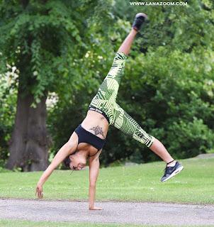 المزيد من الصور للممثلة الانكليزية ستيفاني ديفيس تمارس الرياضة مع صديقها في مانشستر