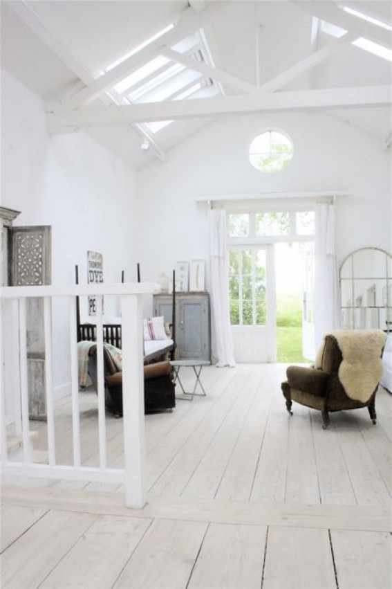 my scandinavian home a beautiful converted barn in white. Black Bedroom Furniture Sets. Home Design Ideas