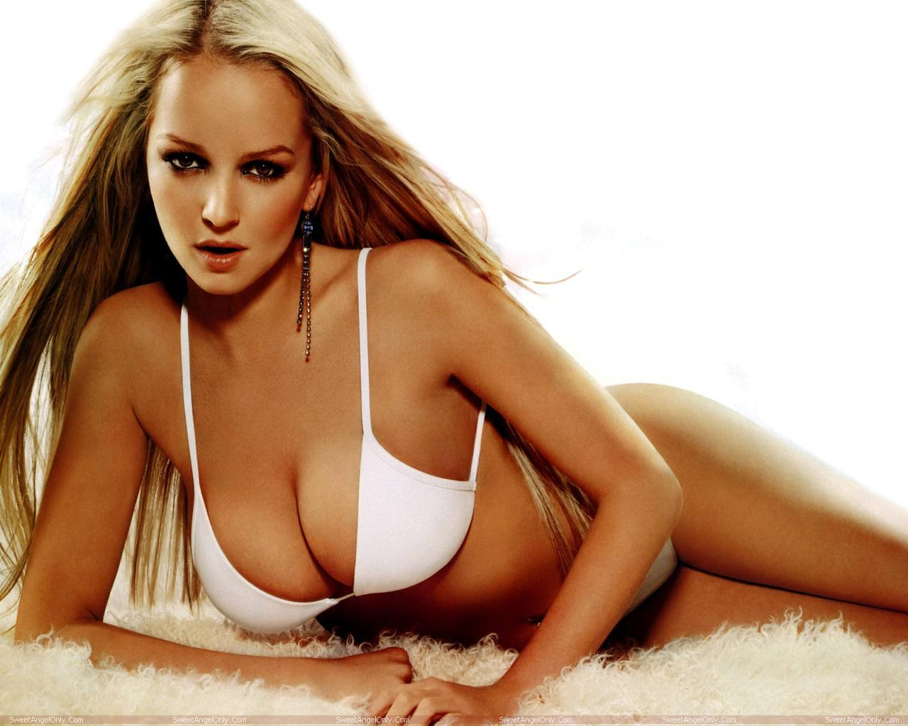 http://2.bp.blogspot.com/-xIbG2FrpRY4/TWZWFqsvD_I/AAAAAAAAEog/ZEZ2XYn5gHI/s1600/actress_jennifer_ellison_hot_wallpapers_in_bikini_sweetangelonly_17.jpg