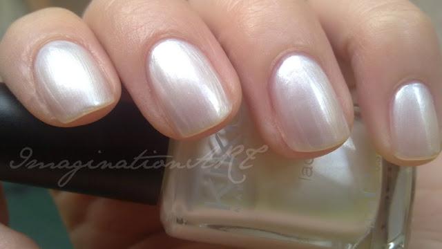 Kiko_214_Bianco_Perlato_swatch_swatches_smalto_unghie_nail_lacquer_polish