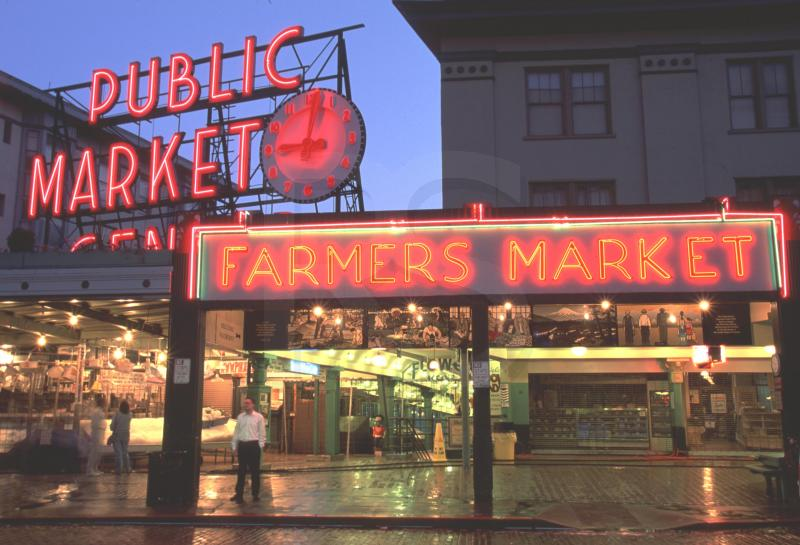 The pike place market life of the ray doc 39 s wife for Fish market seattle
