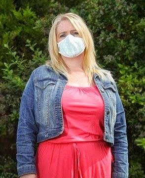 Απίστευτο! Αυτή είναι η  γυναίκα που είναι  αλλεργική στο... νερό!  Δείτε τι μπορεί να πάθει αν  έρθει σε επαφή μαζί του!