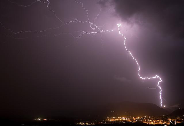 delta s d d hotspot spells through the ages lightning bolt