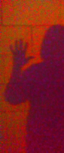 Verano 2015, Solsticio de verano, San Juan, Fiestas, Calor, Fotografía, Yvonne Brochard, Blogs de arte, Exposiciones, Madrid, Voa-Gallery.blospot.com, Arte contemporáneo, Victim of art,  Sombras, Noche,