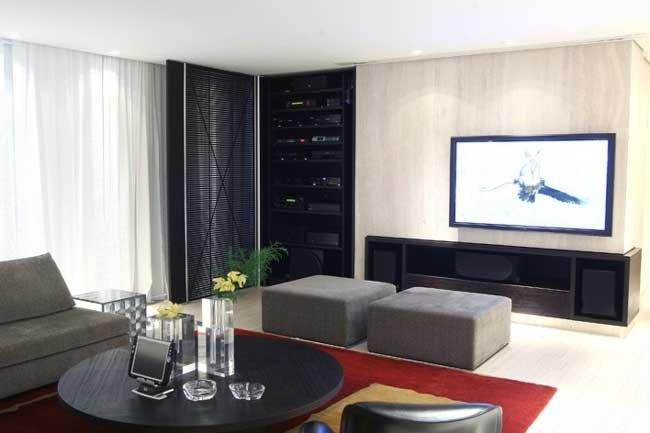 Sala De Tv Com Tapete Preto ~ Nesse caso o preto é a cor predominante, mas como a maioria das
