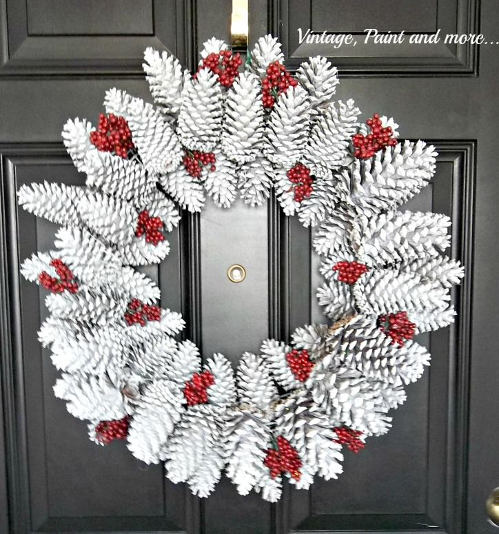 Vintage, Paint and more... diy wreath of pinecones and spray paint