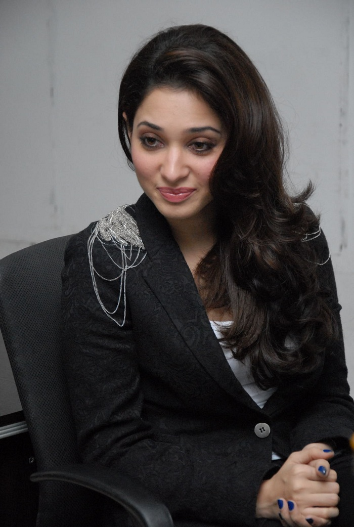 hot-stills-of-tamanna