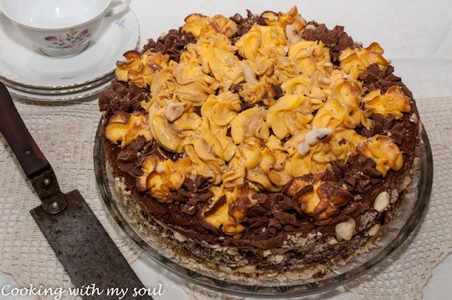 Tort aniversar cu ciocolata mascarpone si praline