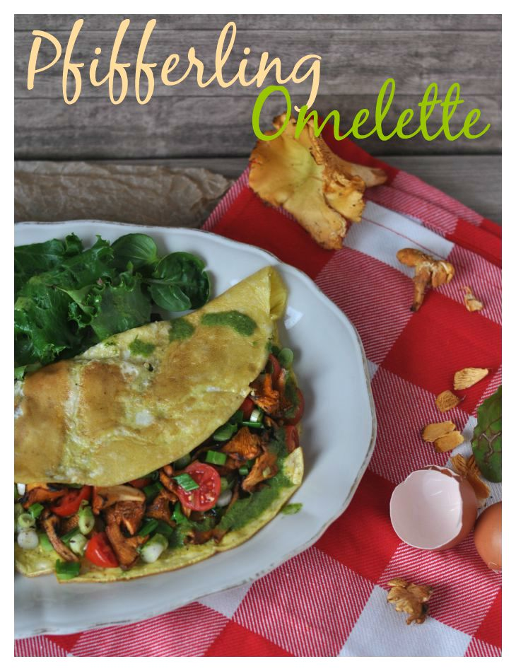 Chanterelle-Omelette with parsley-sauce, a quick and easy dish for fall ---- Pfifferlings-Omelette mit Petersiliensauce, ein perfektes Abendessen in nur 15 Minuten fertig