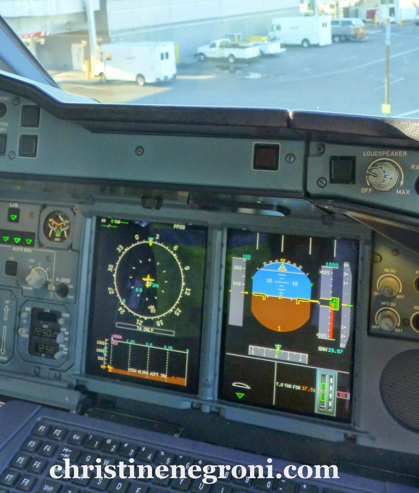 A380%2Bcockpit%2Bemirates%2Bat%2BJFK.JPG