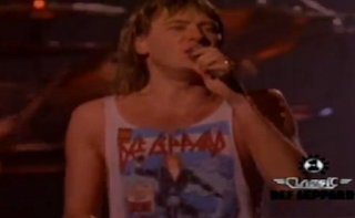 videos-musicales-de-los-80-def-leppard-pour-some-sugar-on-me