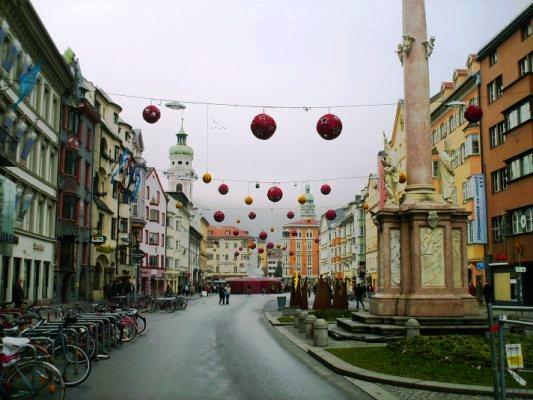 La via principale di Innsbruck