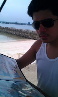 Samal eat by the beach