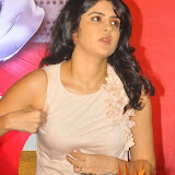 actress-deeksha-seth-pictures-13